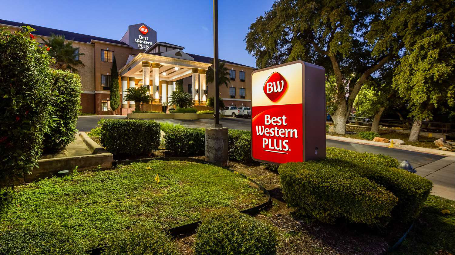 Hotels In San Antonio >> Best Western Plus Hill Country Suites Hotels In San Antonio Tx